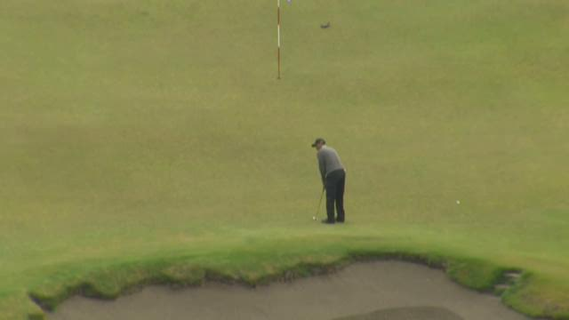 Tiger Woods practices at Chambers Bay