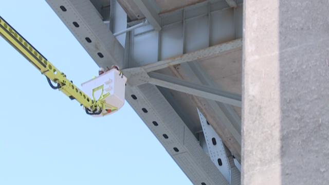 WSDOT inspects Ship Canal Bridge