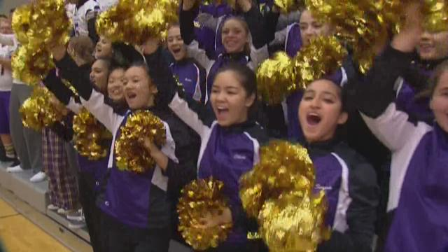 KING 5's Natasha Ryan reports from a Friday football pep rally before Issaquah takes on Skyline.